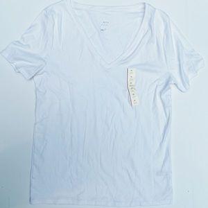 a•new•day XL White V-Neck T-shirt